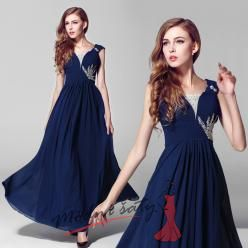 Večerní šaty v tmavě modré barvě se stříbrnou výšivkou