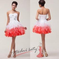 Bílé koktejlové šaty bohatou sukní