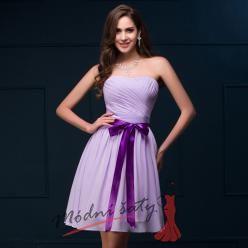 Světle fialové šaty pro družičky ke kolenům