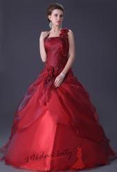 Tmavě červené plesové šaty