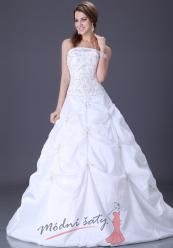 Bílé svatební šaty s vyšívaným korzetem