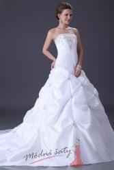 Bílé svatební šaty s velkou nabíranou sukní