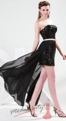 Černé koktejlové šaty s flitry.