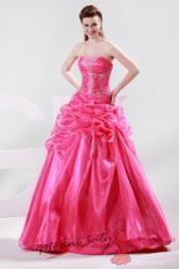 Tmavě růžové plesové šaty