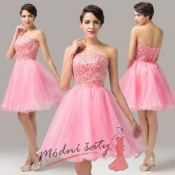 Koktejlky s řasnou sukní v růžové barvě