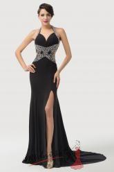 Velmi odvážné večerní šaty - černé.