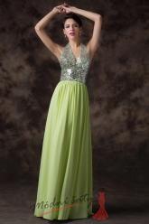 Zelené šaty se třpytivým vrškem