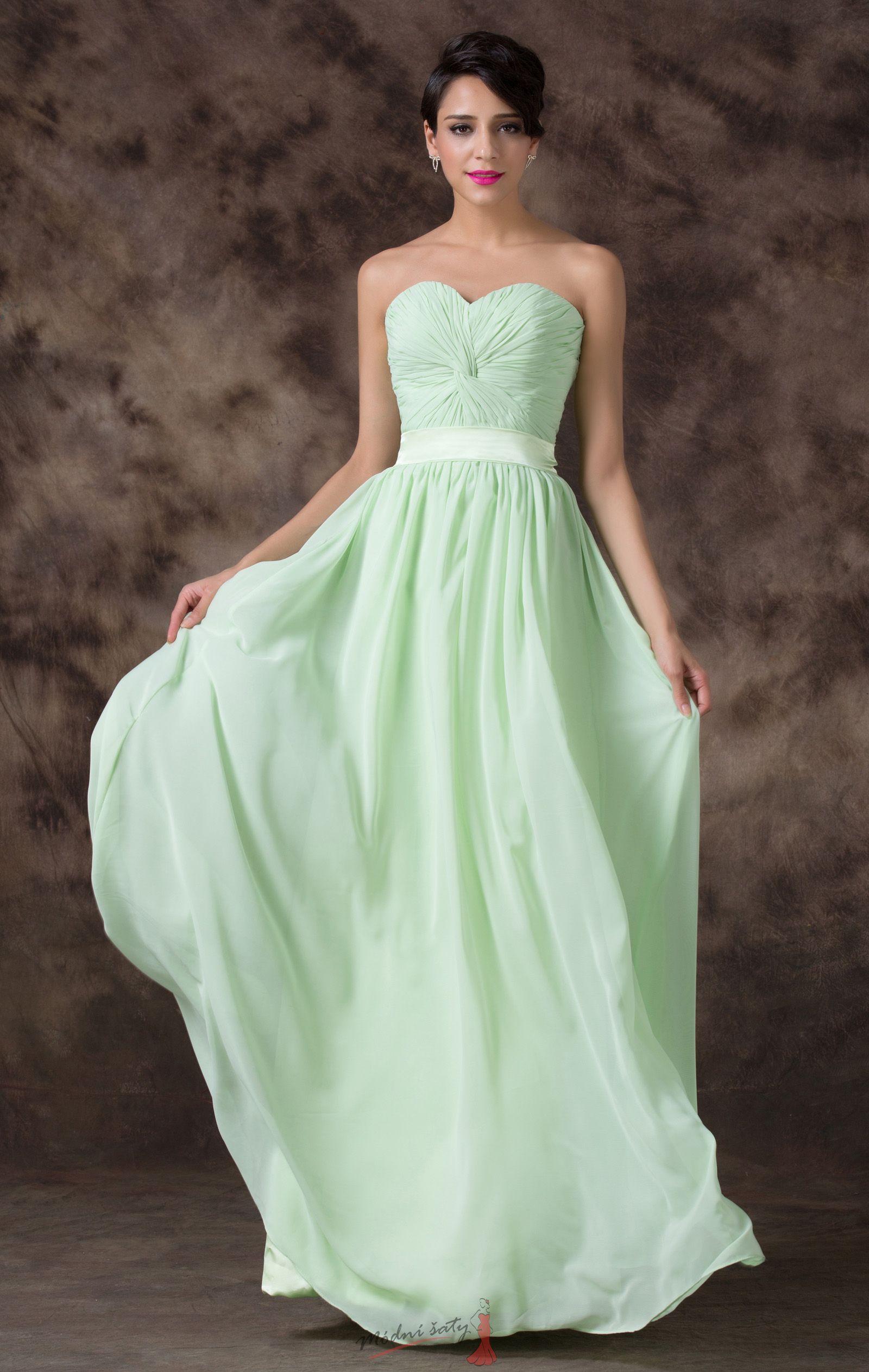 ce687975d842 Světle zelené plesové šaty s páskem