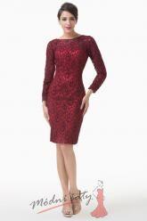 Červené krajkové šaty s dlouhým rukávem