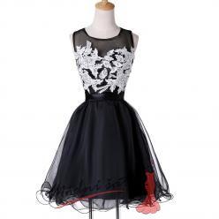 Koktejlové šaty s bílou výšivkou - více barev