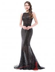 Černé splývavé večerní šaty