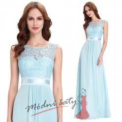 Světle modré plesové šaty zdobené krajkou se stuhou v pase