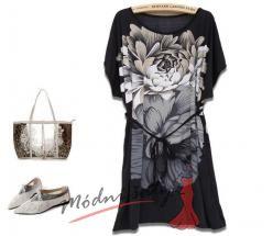 Černá tunika s bílými květy