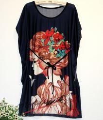 Černá tunika s paní s květy